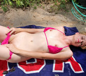 Mindy - Outdoor Playtime - Anilos 5