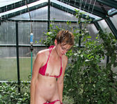 Mindy - Outdoor Playtime - Anilos 13