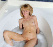 Josie - Bubble Bath - Anilos 3