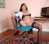 Bella Roxxx - Office - Anilos 12