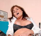 Bella Roxxx - Office - Anilos 13
