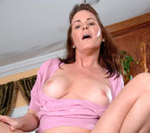Bella Roxxx - Housewife - Anilos 14