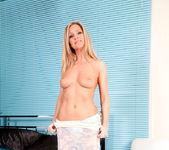 Louise Dakotah - Bed Pussy 5