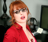 Amber Dawn - Red Toy - Anilos 2