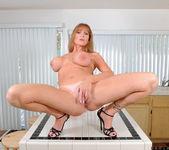 Darla Crane - Housewife - Anilos 24