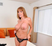 Darla Crane - Bedroom - Anilos 14