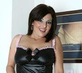 Lola Lynn - Redhot Maid - Anilos 6