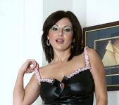 Lola Lynn - Redhot Maid - Anilos 7