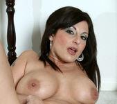 Lola Lynn - Redhot Maid - Anilos 21