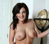 Lola Lynn - Redhot Maid - Anilos 25