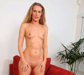 Sara James - Red Couch - Anilos 5