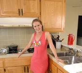 Sara James - Kitchen - Anilos 2