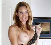 Crystal - Nude Captain - Anilos 4