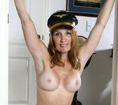 Crystal - Nude Captain - Anilos 8