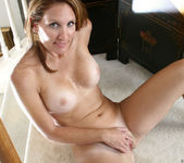 Crystal - Mature Pussy - Anilos 12