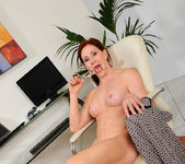 Catherine Desade - Glass Toy 19