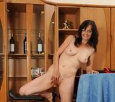 Renie - Pussy Spreads - Anilos 19