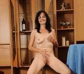 Renie - Pussy Spreads - Anilos 25