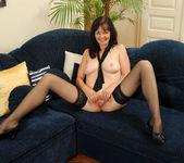Renie - Couch - Anilos 11