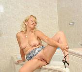 Sara Lynn - Bathroom - Anilos 9