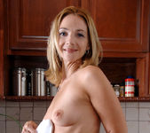 Samantha Rae - Kitchen - Anilos 10