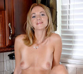 Samantha Rae - Kitchen - Anilos 13