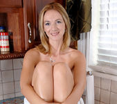 Samantha Rae - Kitchen - Anilos 14