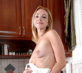 Samantha Rae - Kitchen - Anilos 18