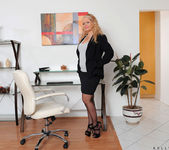 Kelly Leigh - Office - Anilos 2