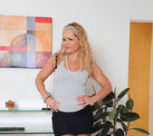 Kelly Leigh - Office - Anilos 7