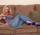 Cassy Torri - Living Room - Anilos 3