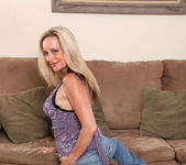 Cassy Torri - Living Room - Anilos 6