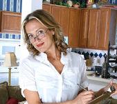 Jolie - Horny Secretary - Anilos 2