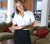 Jolie - Horny Secretary - Anilos 4