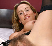Jolie - Bed Fun - Anilos 15
