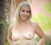 Annabelle Brady - Outdoor - Anilos 13