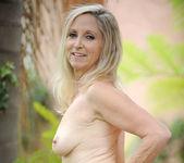 Annabelle Brady - Outdoor - Anilos 15