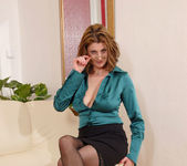 Maiky - Business Woman - Anilos 6