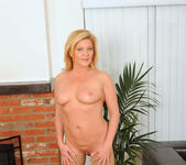 Ginger Lynn - Glass Toy - Anilos 7