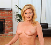 Ginger Lynn - Glass Toy - Anilos 8