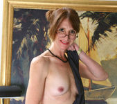 Kimberly - Office Cougar - Anilos 12