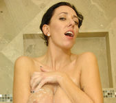 Alia Janine - Bathroom - Anilos 10