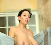 Alia Janine - Bathroom - Anilos 15
