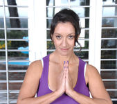 Persia Monir - Yoga Exercise 3