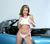Victoria - Blue Car - Anilos 5