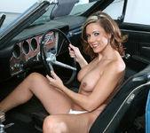 Victoria - Blue Car - Anilos 13