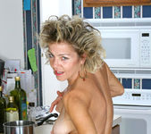 Vanessa - Anilos Housewife 9