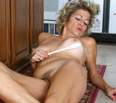 Vanessa - Anilos Housewife 12