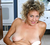 Vanessa - Anilos Housewife 16