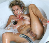 Vanessa - Bubble Bath - Anilos 4